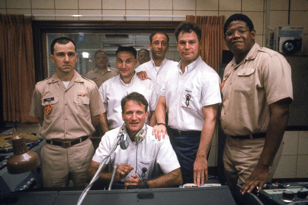 PHOTO: Good Morning Vietnam cast starring Robin Williams, 1987.