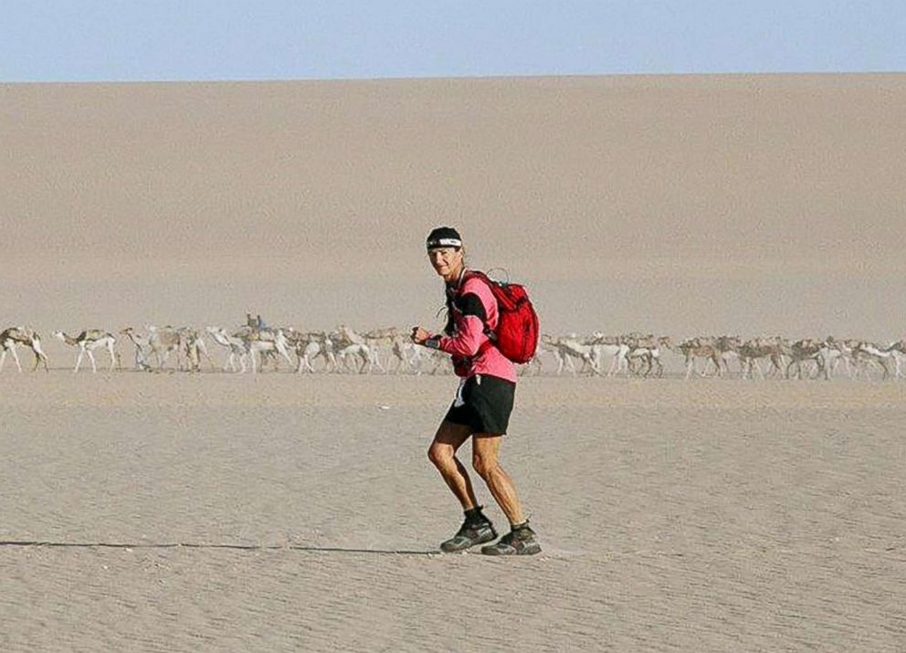 PHOTO: Alicja Barahona runs the 555km ultramarathon in Niger.