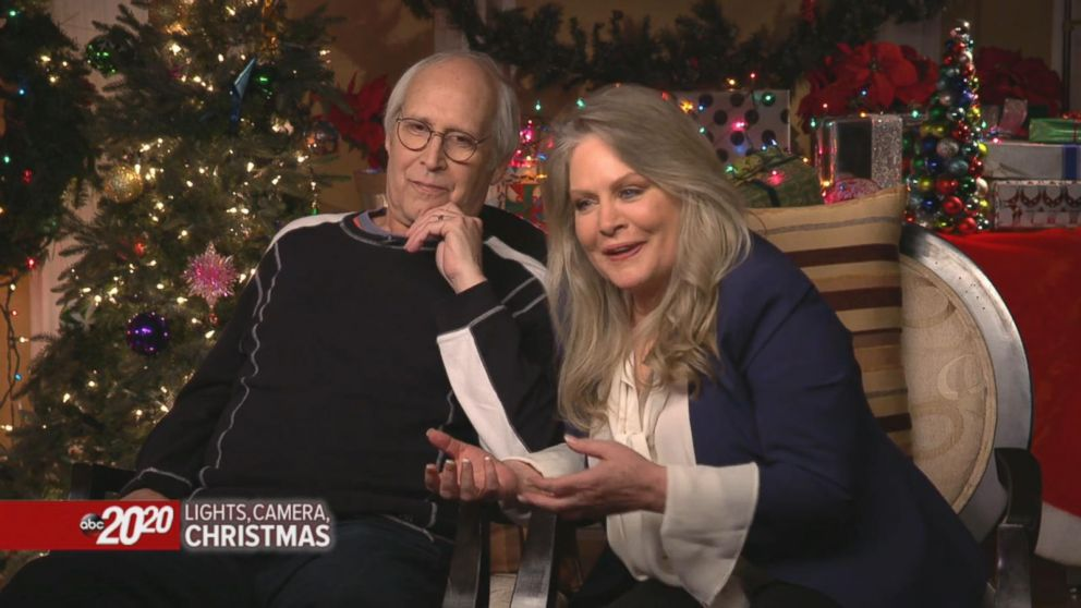 Chase Christmas Eve Hours.Christmas Vacation Stars Chevy Chase And Beverly D Angelo On Their Chemistry On And Off Set