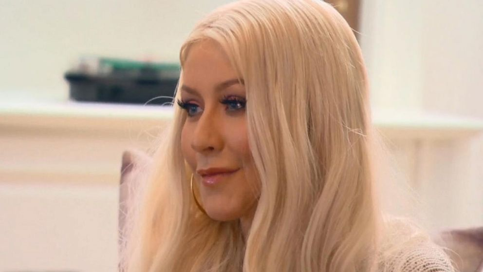VIDEO: Christina Aguilera surprises family with performance of her song Beautiful