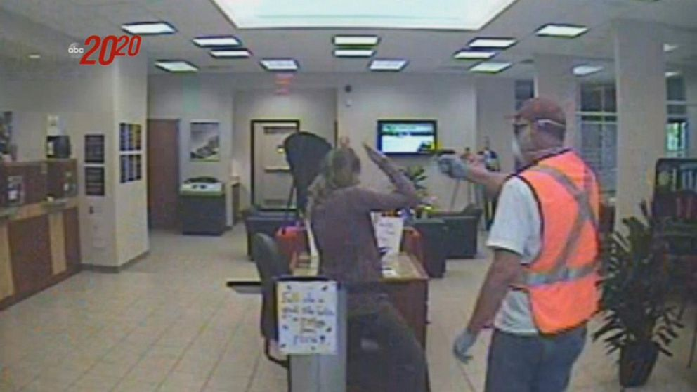 What happened inside Texas bank during robbery
