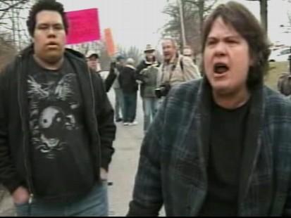 Video of Kentucky locals protesting Senator Jim Bunning.