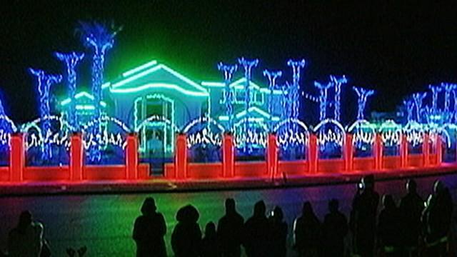Christmas Lights Wars Video - ABC News