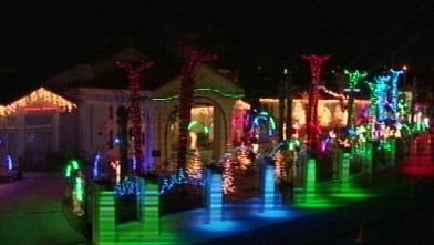 20 secrets behind unbelievable christmas lights displays abc news