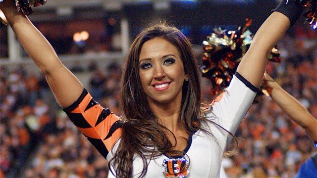 PHOTO:Bengals cheerleader Sarah Jones