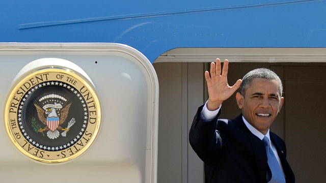 PHOTO: President Barack Obama waves from the steps of Air Force One at Andrews Air Force Base, Md., Thursday, May 2, 2013. Obama traveled to Mexico City where he will meet with Mexican President Enrique Peña Nieto.