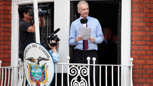PHOTO:Julian Assange, the founder of Wikileaks, has been living in the Ecuadorean Embassy in London since last summer, in order to avoid extradition to Sweden. In the embassy, he occasionally holds press conferences and interviews.