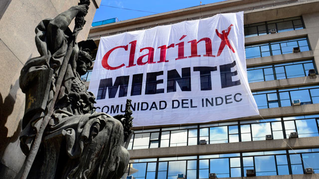 PHOTO: A giant banner that hangs from a government building in Buenos Aires, says that Clarin, one of the country?s top newspapers, ?lies.?