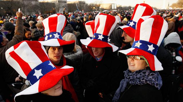 PHOTO:President Barack Obama supporters wait on the National Mall in Washington.
