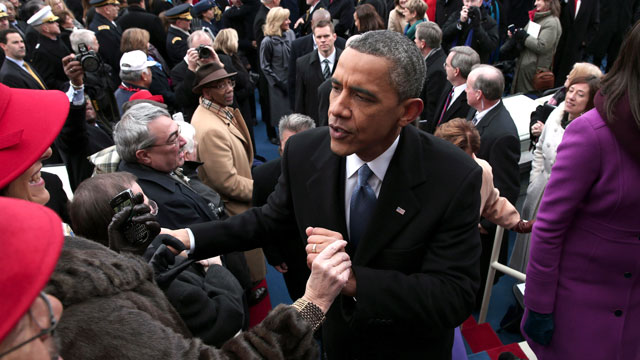 PHOTO:President Barack Obama greets people on the West Front of the Capitol in Washington