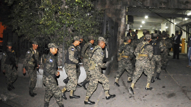 PHOTO: Honduras army soldiers secure the area outside of the National Congress in the capital city of Tegucigalpa, Honduras, Tuesday Dec. 11, 2012.
