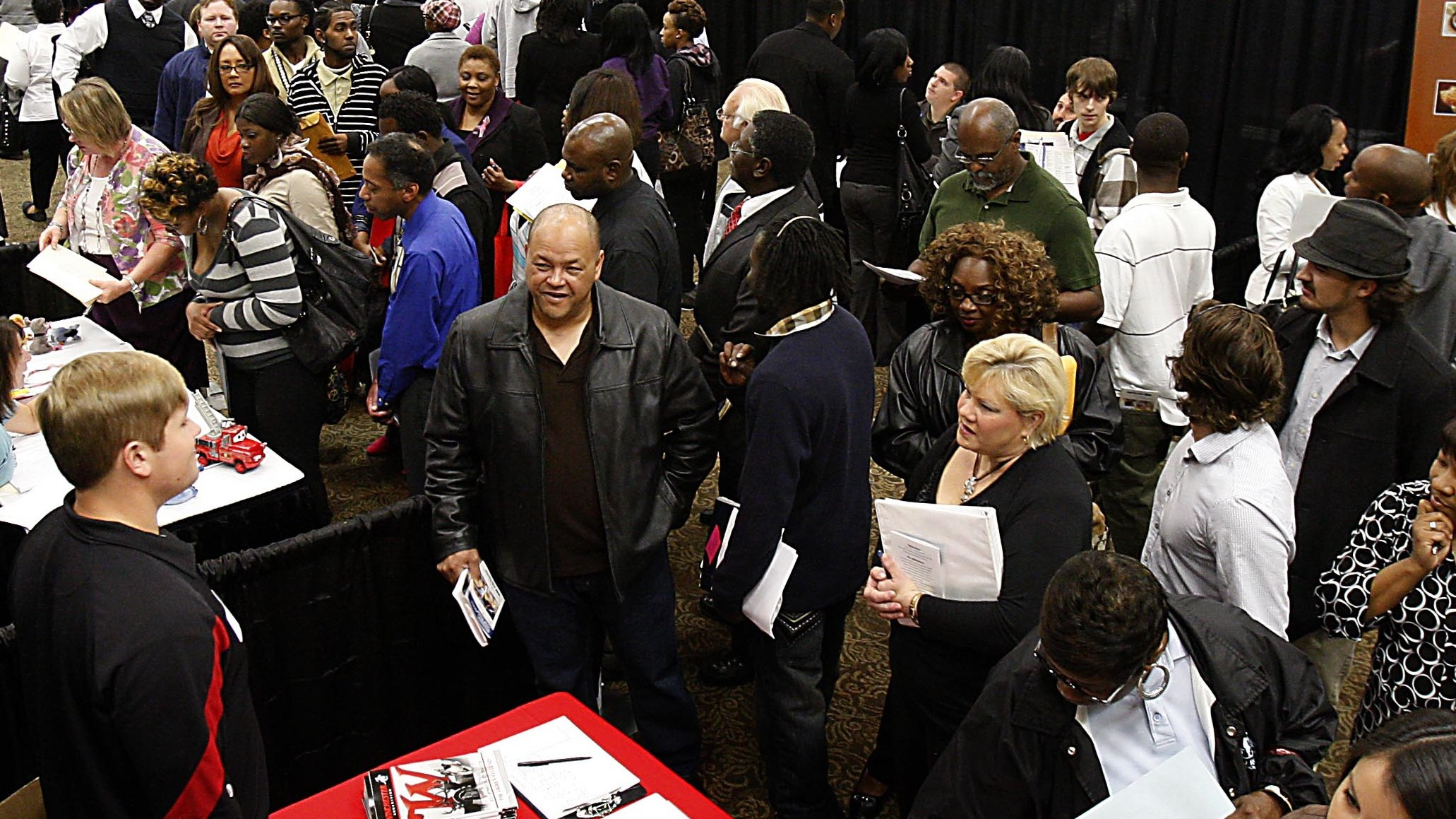 PHOTO:Hundreds of job applicants attend the DeSoto County Job Fair at Landers Center, Tuesday, Oct. 9, 2012, in Southaven, Miss.