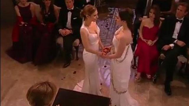 PHOTO:First lesbian wedding on an American soap opera