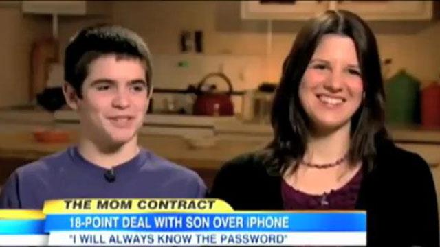 PHOTO:You're embarrassing me, mom!