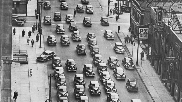 PHOTO:A line of cars, predominantly Ford cars carrying downtown commuters home from work in Detroit, Michigan, on the first day of the city-wide public transport strike.