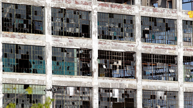 PHOTO:The abandoned Fisher Body Plant 21 building stands in Detroit, Michigan, U.S., on Friday, July 19, 2013.