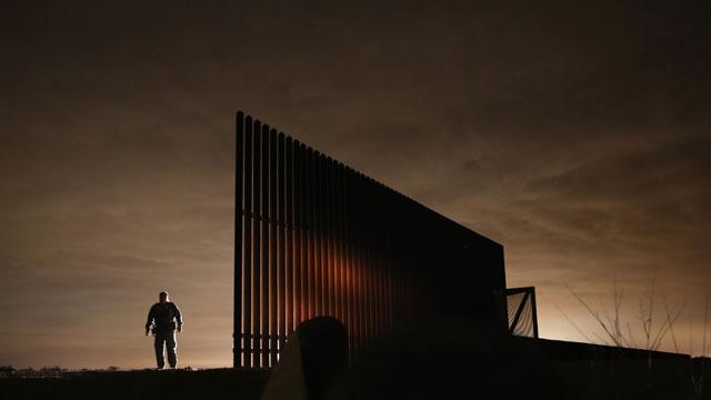 PHOTO:fence