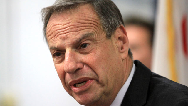 PHOTO: Mayor Bob Filner of San Diego speaks at a press conference announcing his intention to seek professional help for sexual harassment issues July 26, 2013 in San Diego, California.