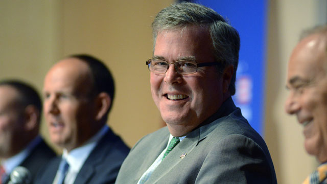 PHOTO:Jeb Bush came out against a pathway to citizenship for undocumented immigrants, reversing his previous position.
