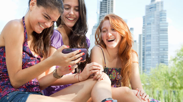 PHOTO:Most millennials own a smartphone. According to a new survey from Telefonica-Financial Times, they believe in the power of technology to do everything from help them land a job to stay connected with the world.