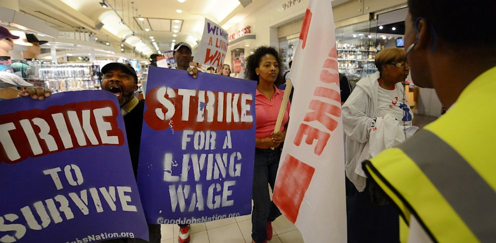 PHOTO: Demonstrators gather in the hundreds to protest minimum wage standards in the United States on Tuesday, May 21, 2013 at Union Station in Washington DC.