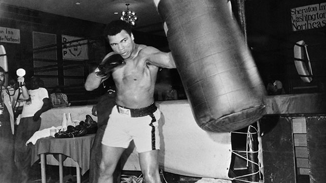 PHOTO:Heavyweight world boxing champion Muhammad Ali is seen during a training session on April 23, 1976 in Washington before his heavyweight world championship fight against Jimmy Young on April 30, 1976 in Landover, Maryland.