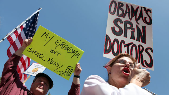 PHOTO:Protestors hold signs during an anti-health care reform rally August 14, 2009 in San Francisco, California.