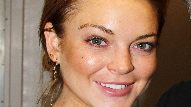 PHOTO:Lindsay Lohan poses backstage at the play 'Orphans' in New York City on April 23, 2013.
