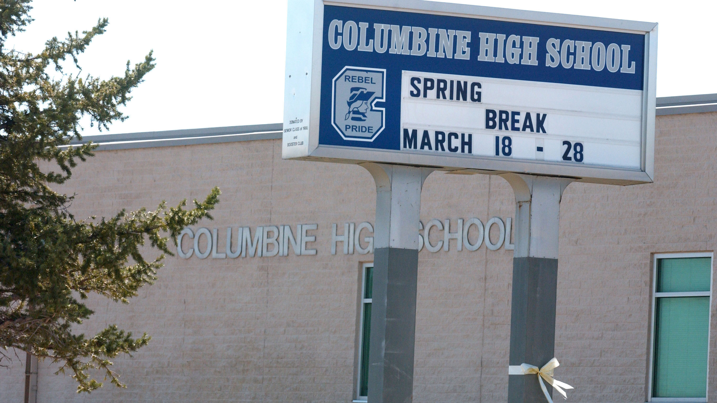 PHOTO:Columbine High School