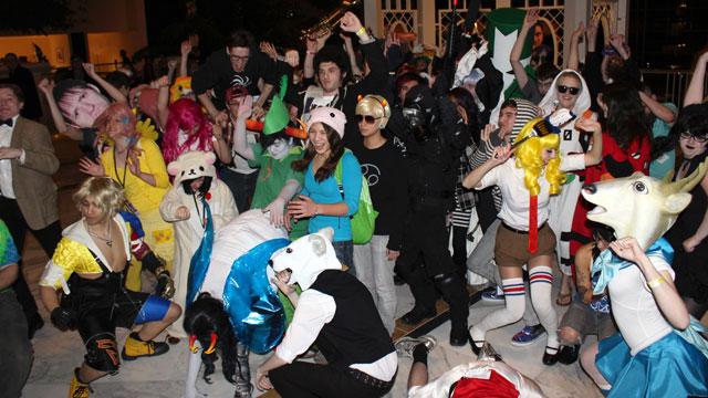 """PHOTO:People doing the """"Harlem Shake""""."""