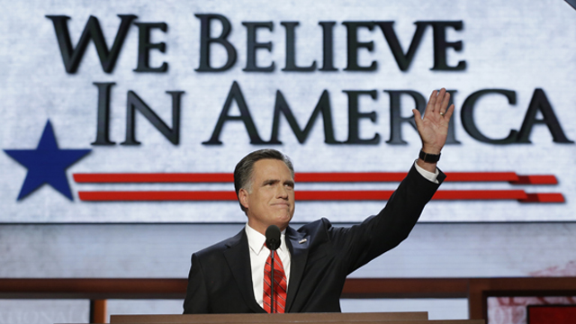 PHOTO:Mitt Romney welcomes the crowd at a the 2012 Republican National Convention in Tampa, Fla.