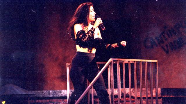 PHOTO:Selena at Premio Lo Nuestro in 1993.