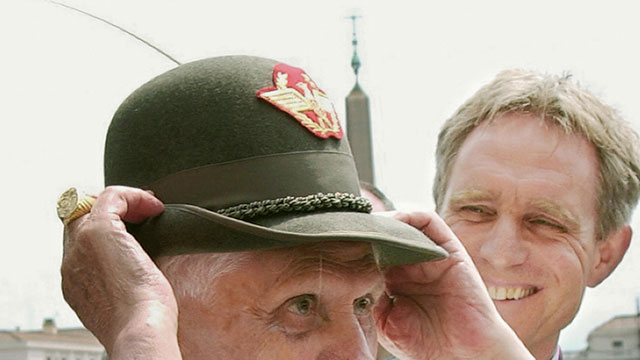 PHOTO: Pope Benedict XVI wears an Italian alpine troops hat, during his open-air weekly general audience in St. Peter's square, at the Vatican, 07 June 2006