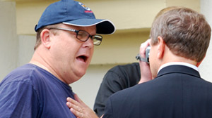 PHOTO Brian Ross Confronts A Fugitive