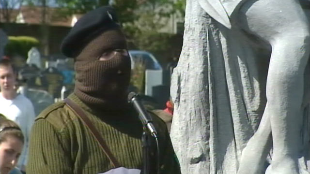 PHOTO:An Irish Republican Army splinter group condemned next months visit to Ireland by Queen Elizabeth II, April 25, 2011.