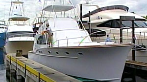 "Photo: Bernie Madoffs ""Bull"" for Sale in Florida: Two yachts, Mercedes and Other Boats Are On the Block in Auction of Ponzi Scammers Assets"