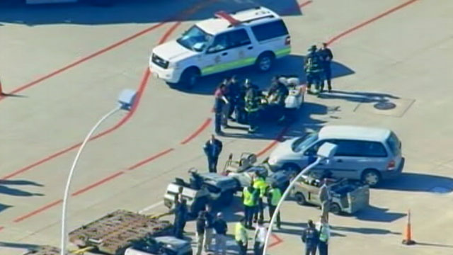 PHOTO: A checked bag exploded, injuring one, at Chicagos OHare airport on Nov. 1, 2011.