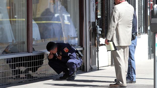 PHOTO: Police investigate scene of shooting