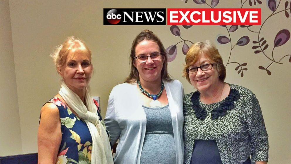 American hostage mom Caitlan Coleman leaves Canada, returns
