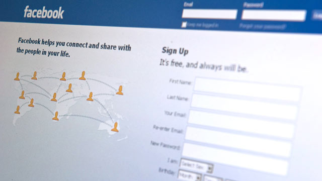 PHOTO: The Facebook homepage appears on a computer screen, Washington, Aug. 30, 2010.