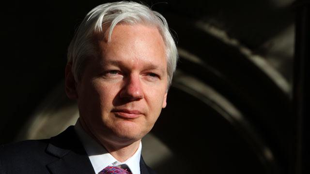 PHOTO: WikiLeaks founder Julian Assange speaks to the media outside the High Court in London, Dec. 5, 2011.
