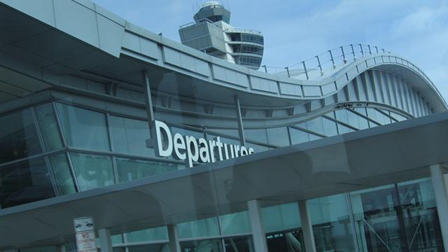 PHOTO:JFK Airport departures terminal