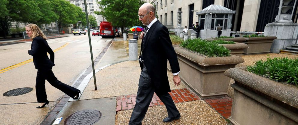 PHOTO: U.S. Deputy Solicitor General Michael Dreeben departs the U.S. Justice Department in traditional morning coat on his way to argue his one-hundredth case before the U.S. Supreme Court in Washington, D.C., April 27, 2016.