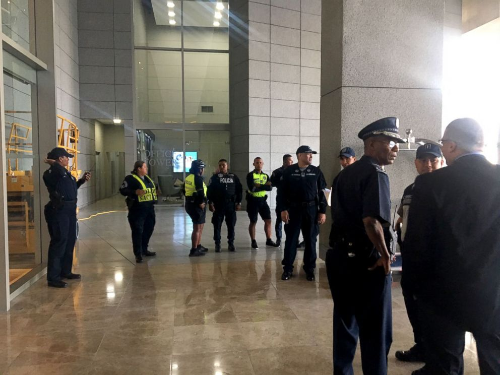 Photo Police Entered The Lobby Of Trump Hotel In Panama March 5