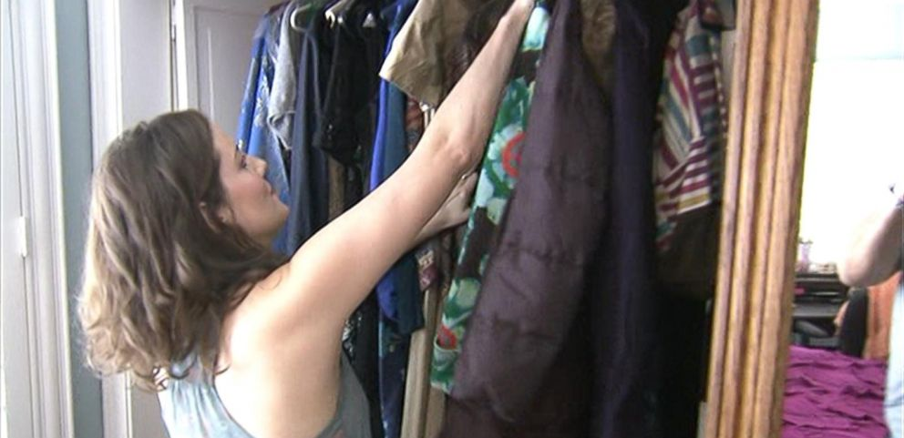 VIDEO: Tradesy app helps sell your clothes through your smartphone.