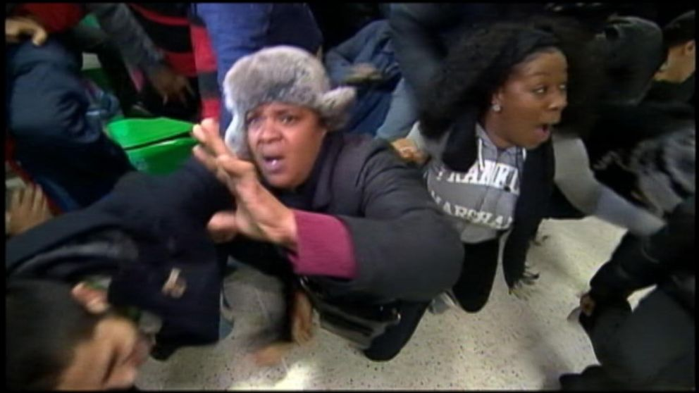 The Craziest Moments From Black Friday Shopping Abc News