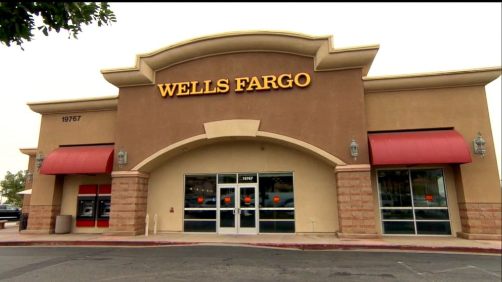 Wells Fargo agrees to pay $1 billion to settle customer