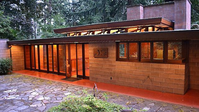 Frank Lloyd Wright Homes: Investment Worthy or For Suckers? Photos ...