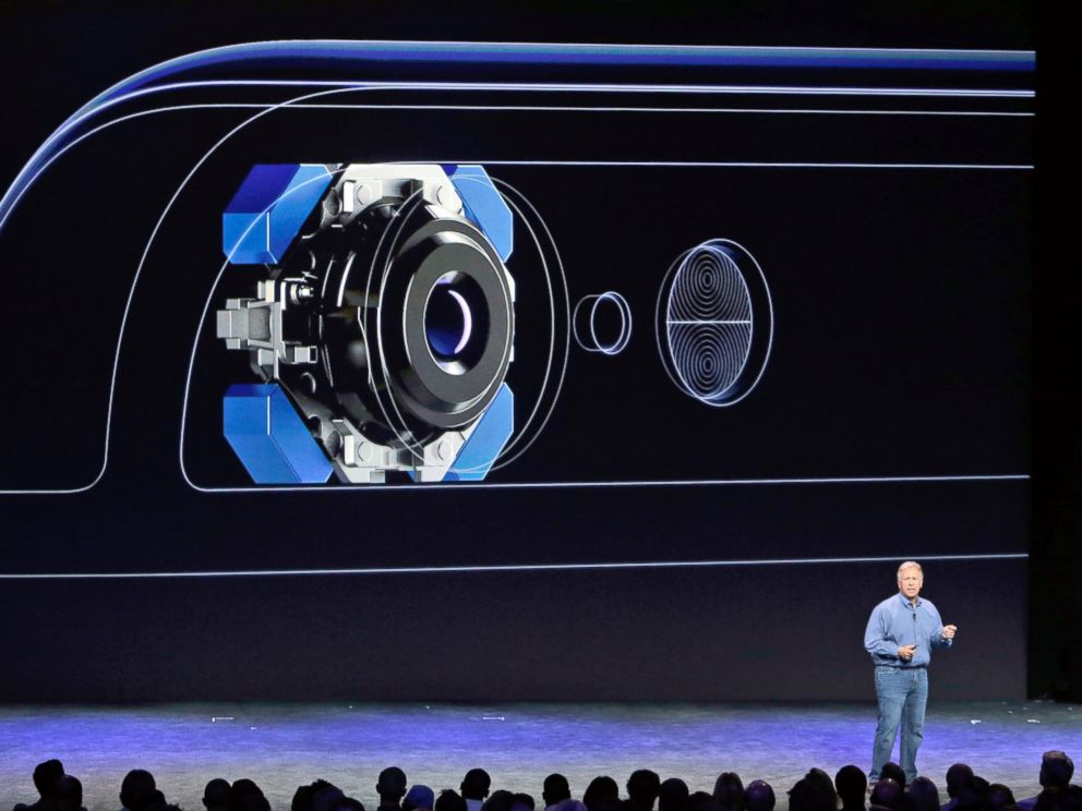 PHOTO: Phil Schiller, Apples senior vice president of worldwide product marketing, discusses the camera features on the new iPhone 6 and iPhone 6 plus, Sept. 9, 2014, in Cupertino, Calif.