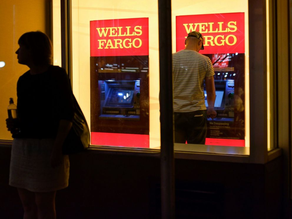 PHOTO: Wells Fargo, one of the countrys largest lenders, said a calculations error caused it to incorrectly deny loan modification requests.
